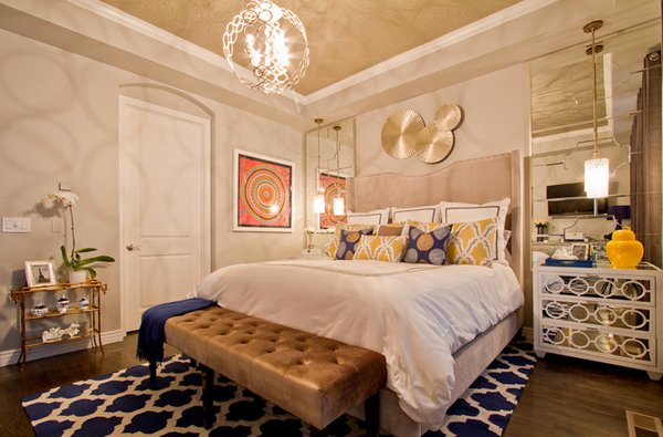 gold bedroom feature