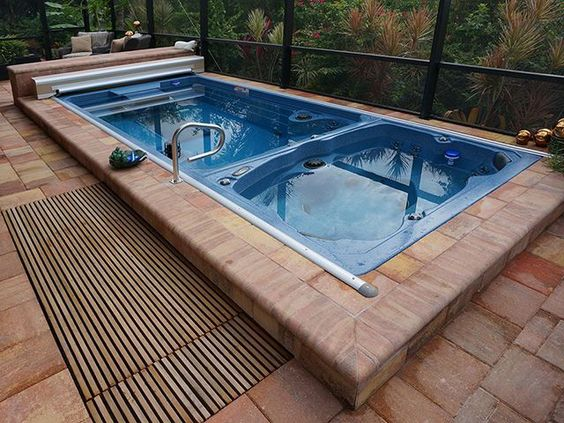 hot tub pool 19