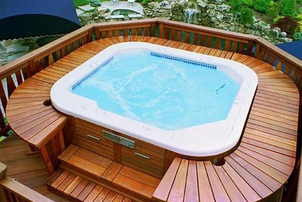 hot tub under deck feature