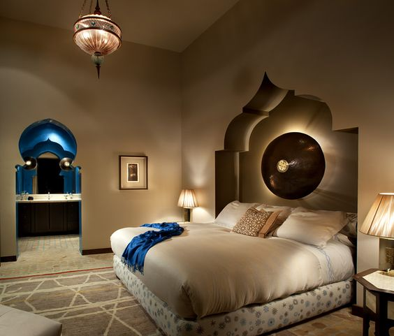 25+ Coziest and Catchiest Moroccan Bedroom Decorating Inspirations