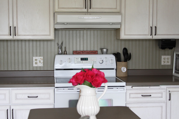 kitchen beadboard feature