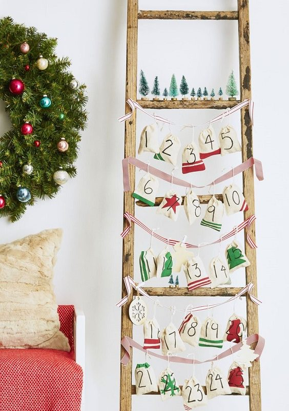 DIY Christmas Living Room Decoration 14