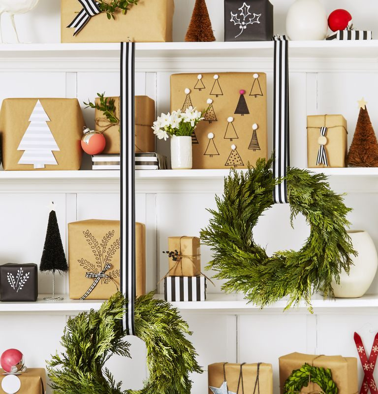 DIY Christmas Living Room Decoration 22