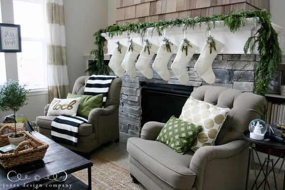 DIY Christmas Living Room Decoration 9