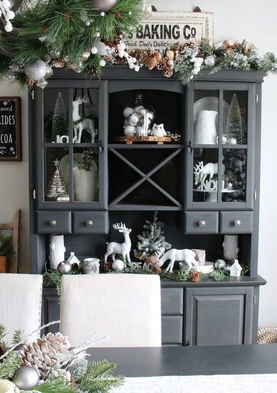diy christmas dining room 21