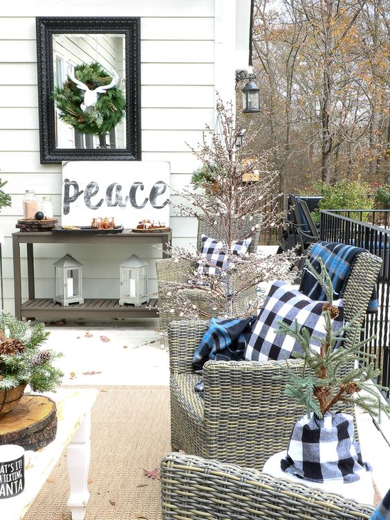 diy christmas patio decoration 9