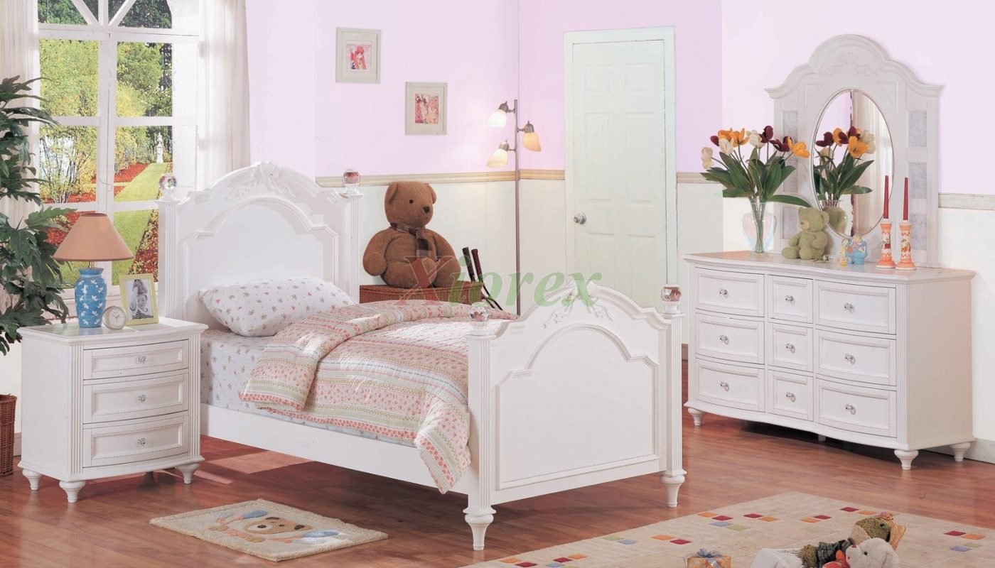 white bedroom furniture for a small room