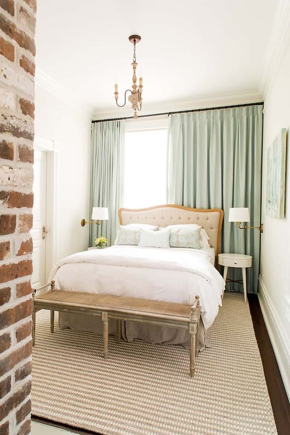 Small Guest Bedroom 11-min