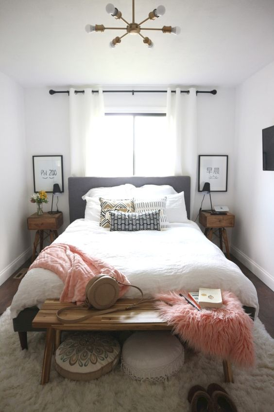 Small Guest Bedroom 12-min