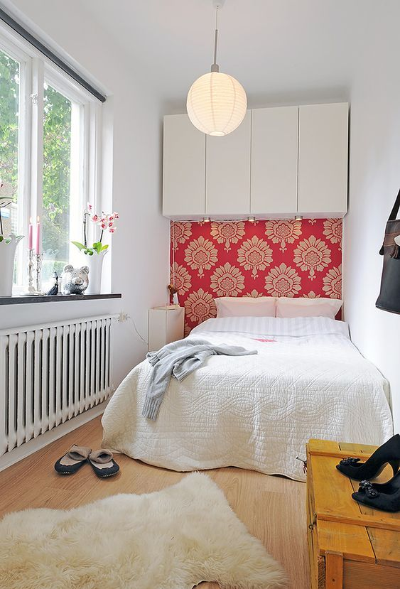 Small Guest Bedroom 13-min