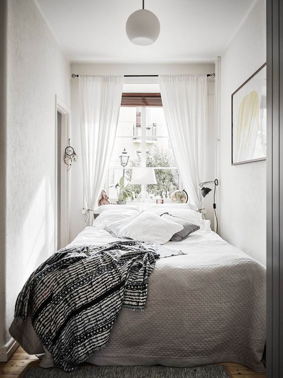 Small Guest Bedroom 3-min