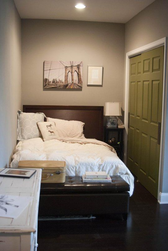 Small Guest Bedroom 4-min