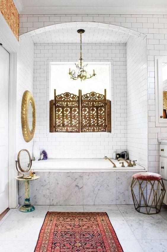 eclectic bathroom 1