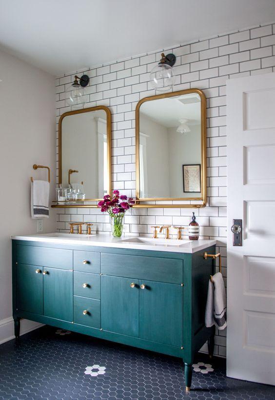 eclectic bathroom 14