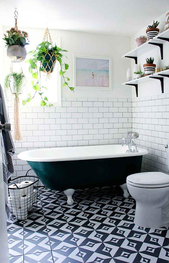 eclectic bathroom 16