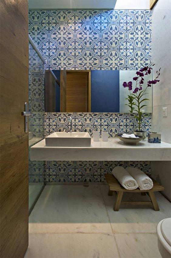 eclectic bathroom 17