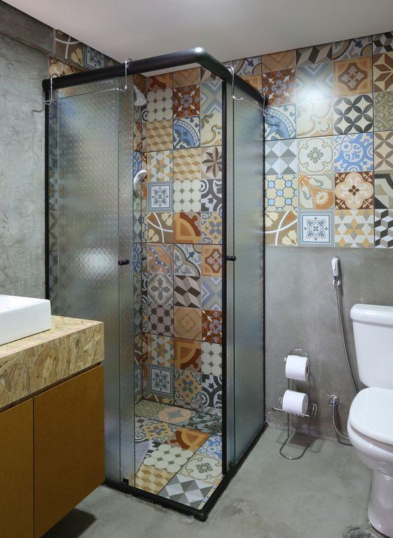 eclectic bathroom 18