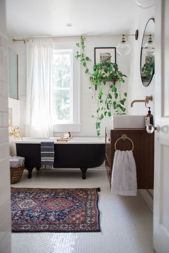 eclectic bathroom 2