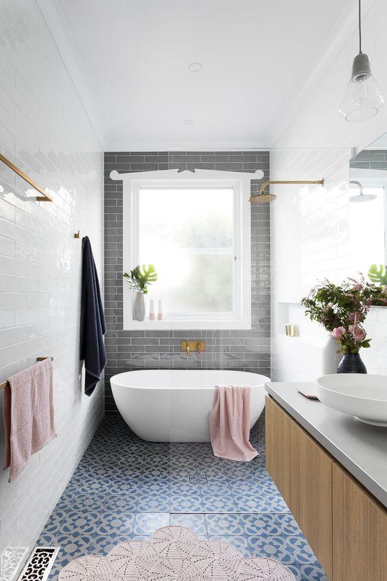 eclectic bathroom 23