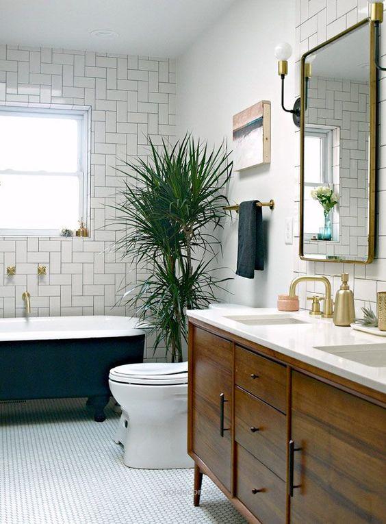 eclectic bathroom 25