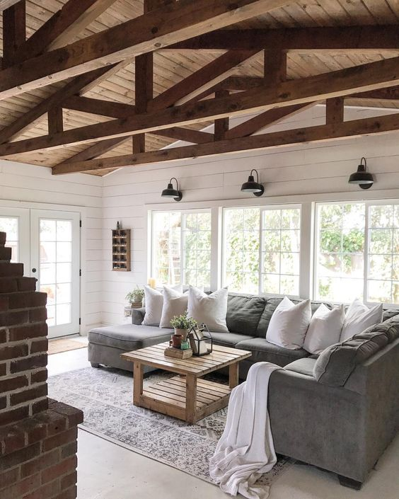beadboard living room 16