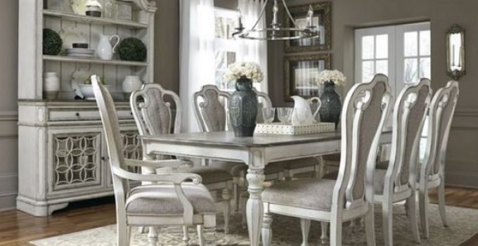 farmtables dining room feature