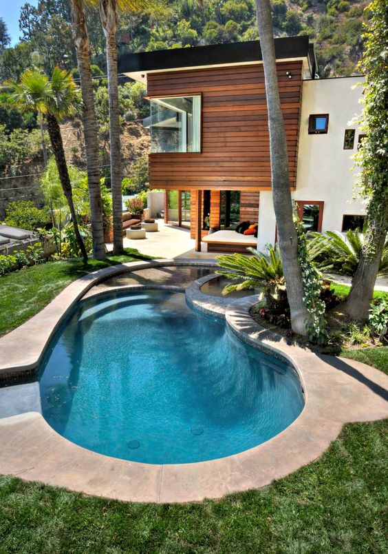 swimming pool landscaping 17