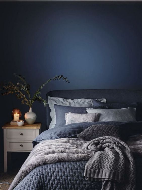 Dark Bedroom Ideas: Neutral Navy Decor