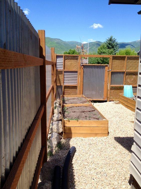 metal fence ideas 15