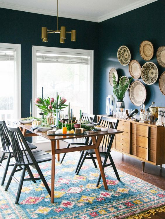 Navy Dining Room: Catchy Decorative Style