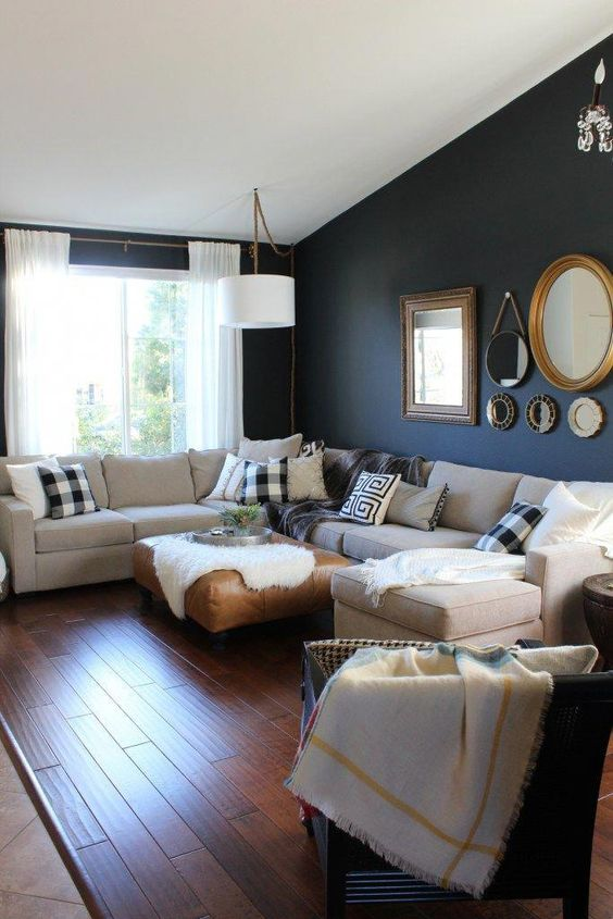 Navy Living Room: Warmly Bold Decor