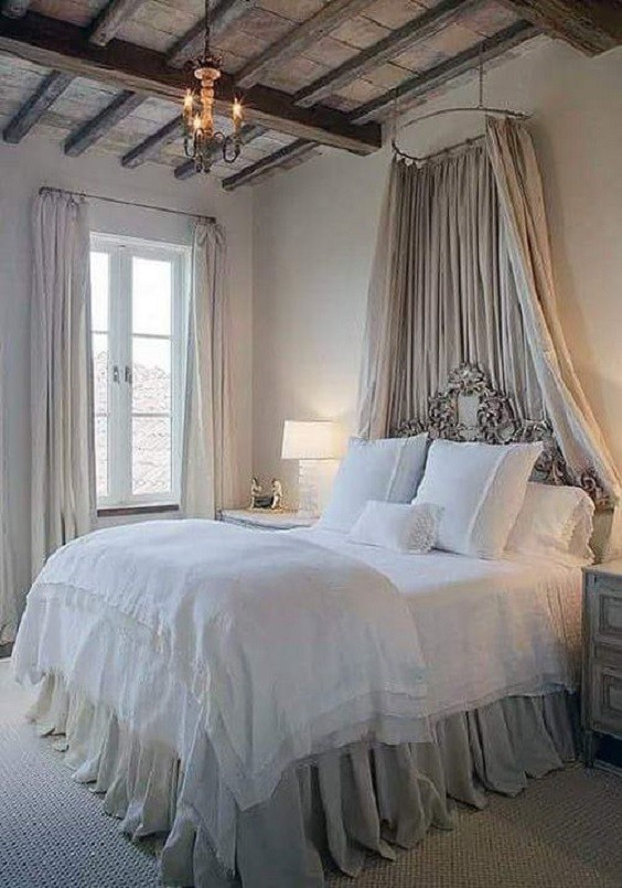 Shabby Chic Bedroom: Neutral Rustic Decor