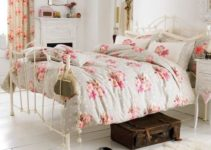 shabby chic bedroom feature