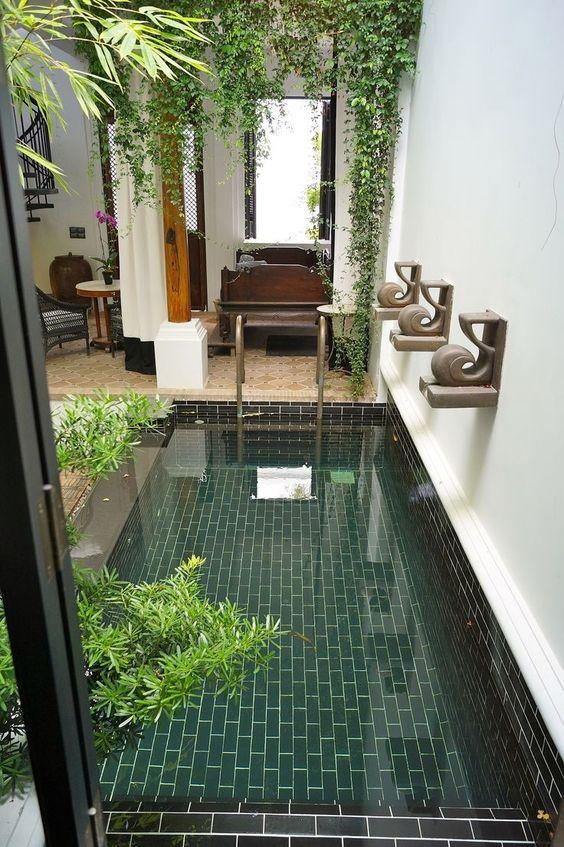 Small Swimming Pool: Catchy Decorative Design