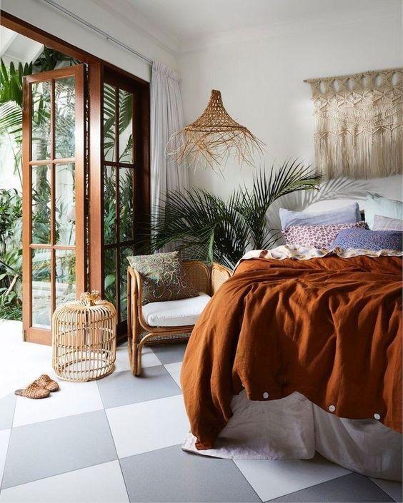 White Bedroom Ideas: Earthy Decorative Bedroom