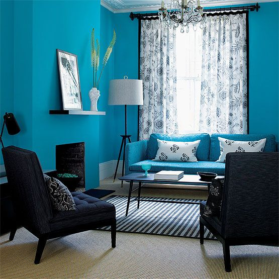 Blue Living Room: Elegant Bold Decor