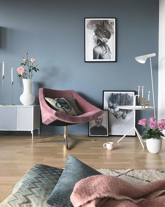 Blue Living Room: Chic Pewter Decor