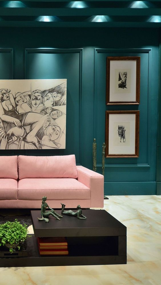 Blue Living Rooms: Artful Chic Decor