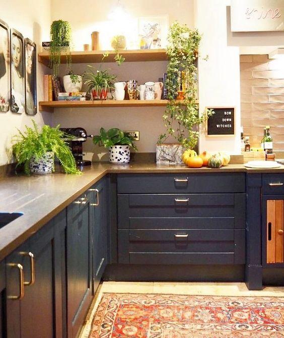 Boho Kitchen Ideas: Elegantly Monochrome Decor