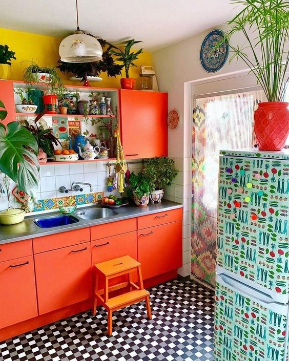 Boho Kitchen Ideas: Catchy Colorful Decor
