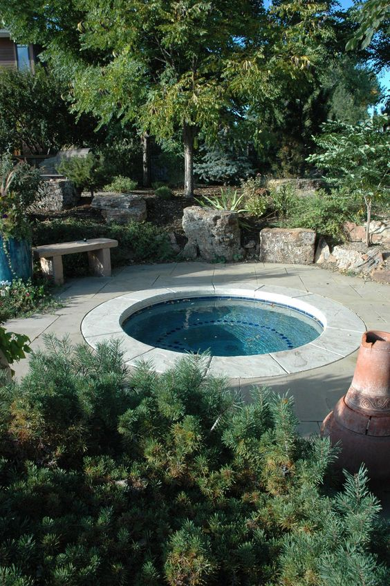 Built In Hot Tub: Cozy Round Oasis