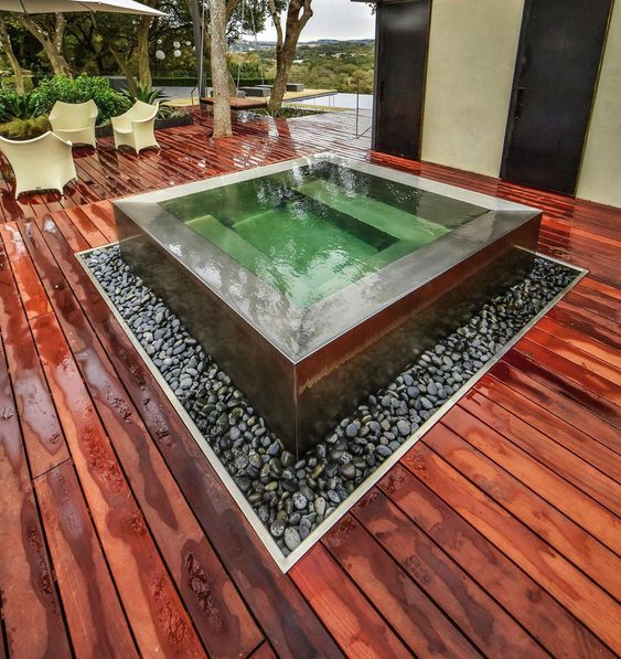 Built In Hot Tub: Modern Above-Ground Design