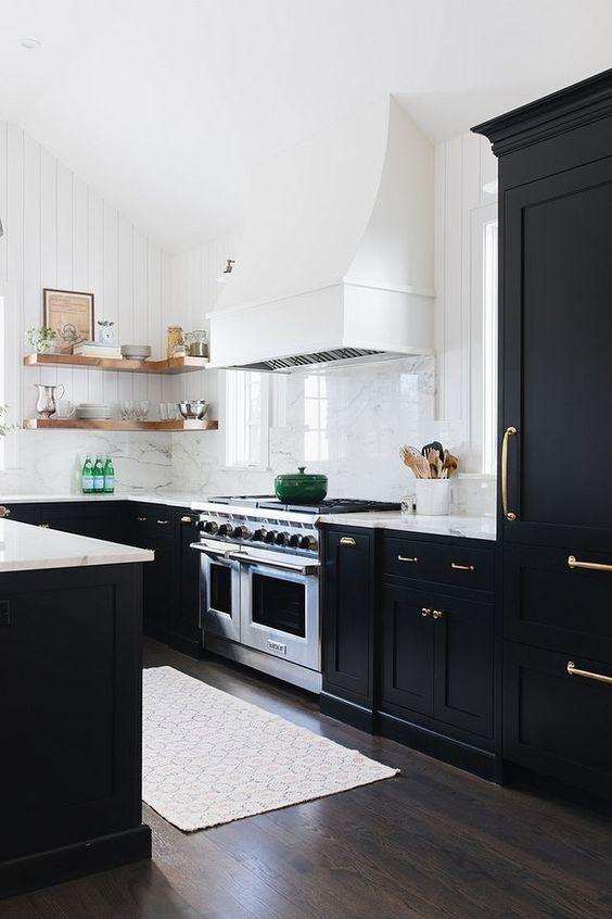 Dark Kitchen Ideas: Decorative Rustic Decor