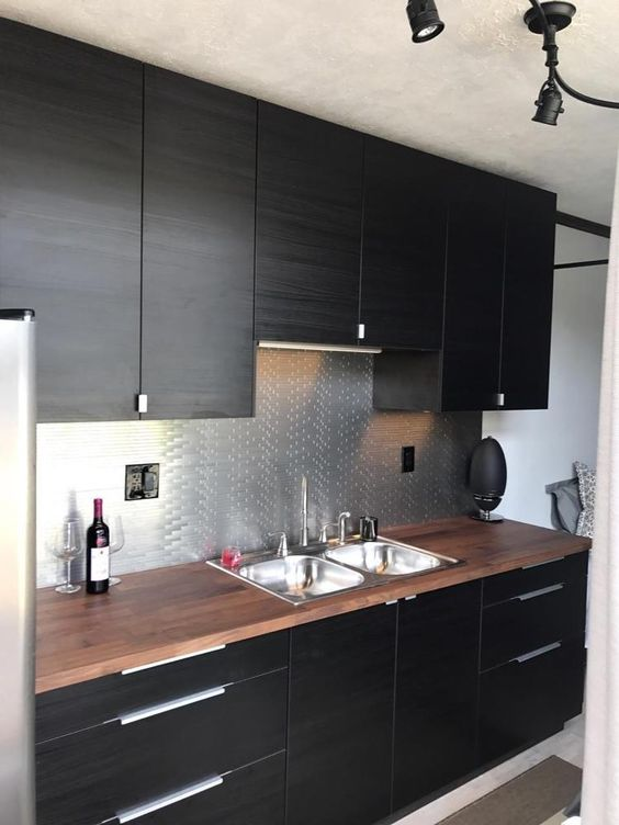 Dark Kitchen Ideas: Elegant Dazzling Decor