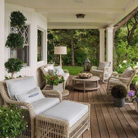 farmhouse patio ideas 21