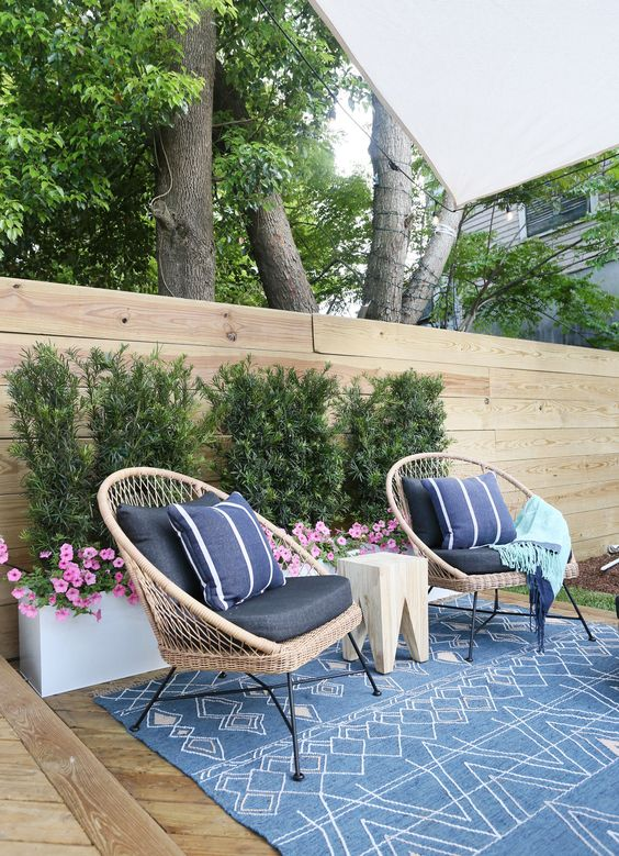 Patio Decor Ideas: Chic Bluish Decor
