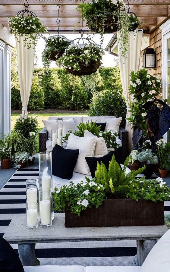 Patio Decor Ideas: Beautiful Earthy Decor