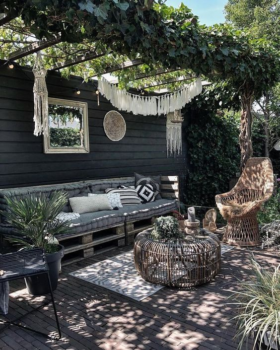 Patio Decor Ideas: Catchy Cozy Decor