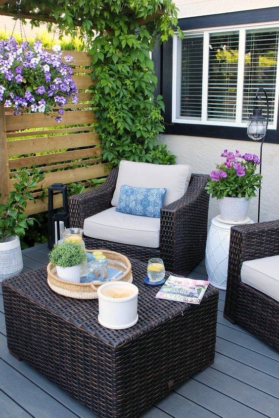 Patio Decor Ideas: Cozy Earthy Decor