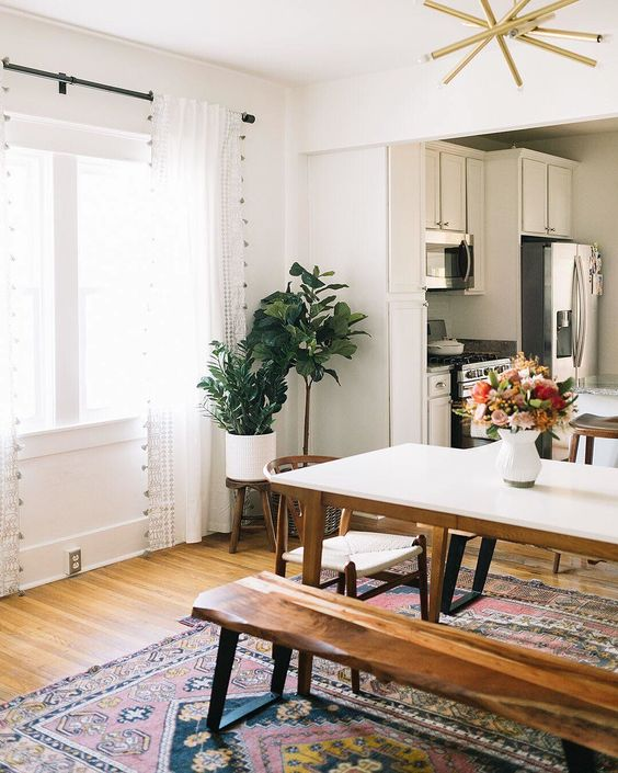 Rustic Dining Room: Chic Picnic-Style Decor